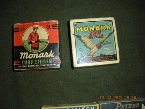 Click image for larger version.  Name:Vintage Ammo and Books 006.jpg Views:47 Size:70.0 KB ID:242133