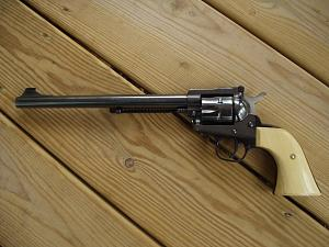 Click image for larger version.  Name:Ruger Single Six 32 H&R Mag., 9.5 inch barrel L.H..jpg Views:41 Size:64.3 KB ID:253445