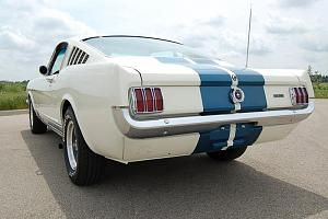 Click image for larger version.  Name:1965 GT-350 rear view.jpg Views:39 Size:56.6 KB ID:62145